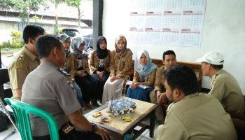 IMG-sosialisasi dengan aparatur desa